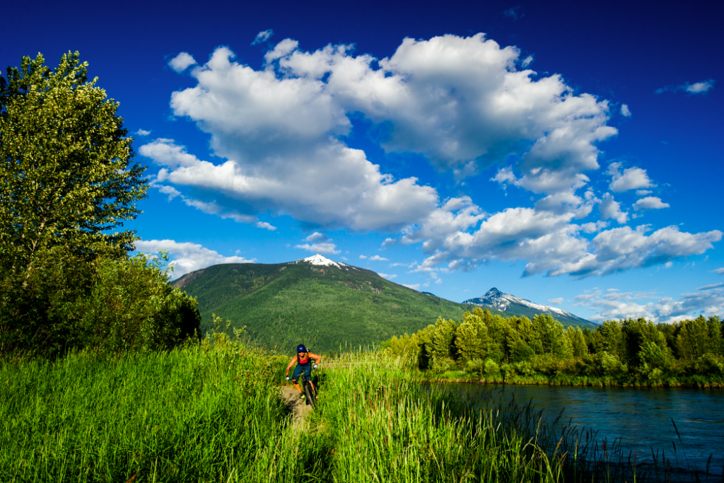 Cross Country Biking in Revelstoke